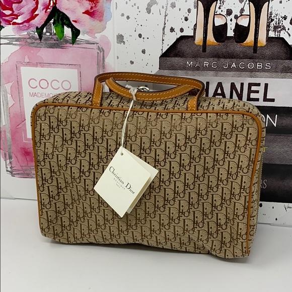 Sold✈️✈️✈️Dior cosmetic bag